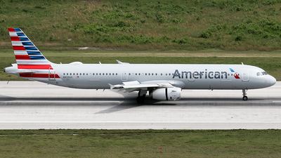 N923US - Airbus A321-231 - American Airlines