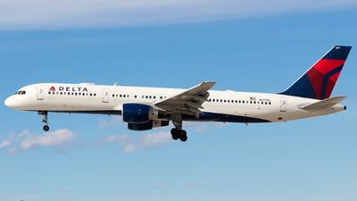 N697DL - Boeing 757-232 - Delta Air Lines