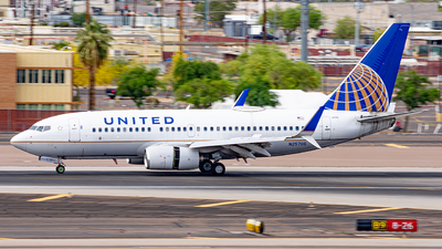 A picture of N25705 - Boeing 737724 - United Airlines - © Alexander Owen
