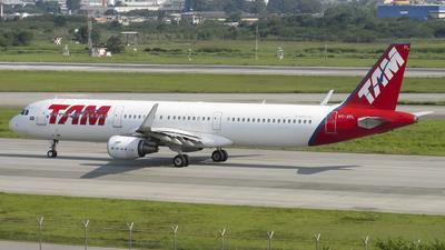 PT-XPL - Airbus A321-211 - TAM Linhas Aéreas