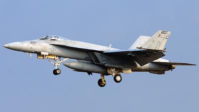 165788 - Boeing F/A-18E Super Hornet - United States - US Navy (USN)