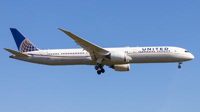 A picture of N16009 - Boeing 78710 Dreamliner - United Airlines - © Markus Schwab