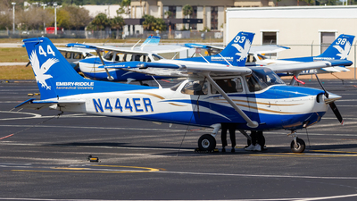 A picture of N444ER - Cessna 172S Skyhawk SP -  - © Oliver Richter