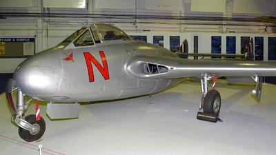 VT812 - De Havilland Vampire F.3 - United Kingdom - Royal Air Force (RAF)
