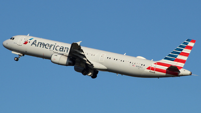 A picture of N982VJ - Airbus A321231 - American Airlines - © wangruoyao
