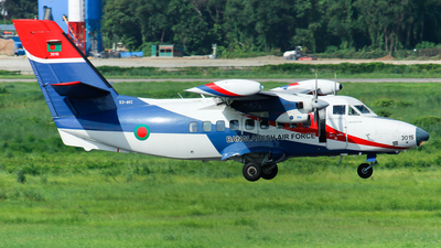 3015 - Let L-410UVP-E20 Turbolet - Bangladesh - Air Force