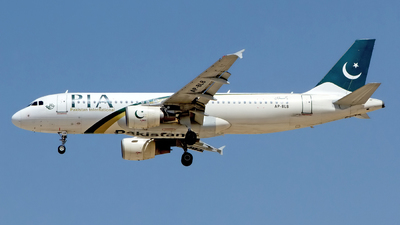 A picture of APBLB - Airbus A320214 - Pakistan International Airlines - © M. Azizul Islam