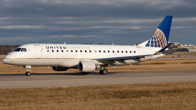 A picture of N739YX - Embraer E175LR - United Airlines - © Davin Amy