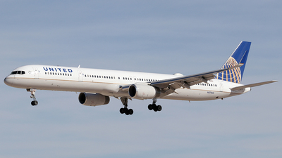 N57868 - Boeing 757-33N - United Airlines