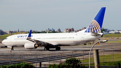 N37267 - Boeing 737-824 - United Airlines