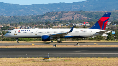 A picture of N542US - Boeing 757251 - Delta Air Lines - © Cristian Quijano