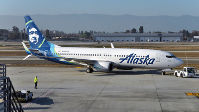 A picture of N586AS - Boeing 737890 - Alaska Airlines - © Victor Vu