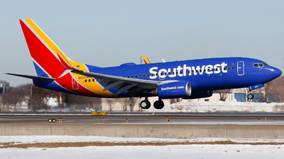 A picture of N907WN - Boeing 7377H4 - Southwest Airlines - © Alec Mollenhauer