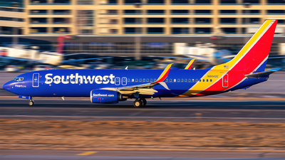 A picture of N8642E - Boeing 7378H4 - Southwest Airlines - © Mateo Skinner