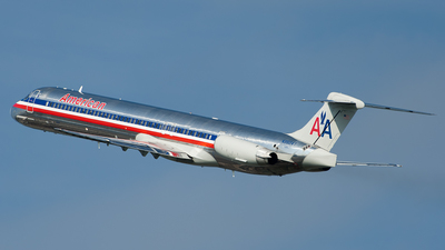 N9624T - McDonnell Douglas MD-83 - American Airlines