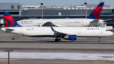 A picture of N353DN - Airbus A321211 - Delta Air Lines - © Steve Rinde