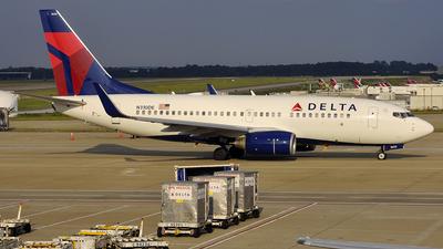 N310DE - Boeing 737-732 - Delta Air Lines