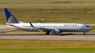 A picture of N75425 - Boeing 737924(ER) - United Airlines - © Matthew Scott