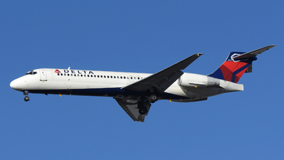 A picture of N927AT - Boeing 717231 - Delta Air Lines - © DJ Reed - OPShots Photo Team