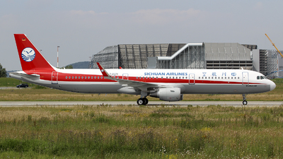 D-AVZN - Airbus A321-231 - Sichuan Airlines