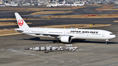 A picture of JA742J - Boeing 777346(ER) - Japan Airlines - © 42 dono