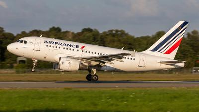 A picture of FGUGI - Airbus A318111 - Air France - © vwmatze