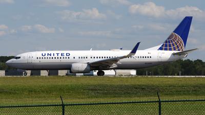 N33289 - Boeing 737-824 - United Airlines