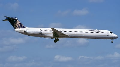 N72822 - McDonnell Douglas MD-82 - Continental Airlines