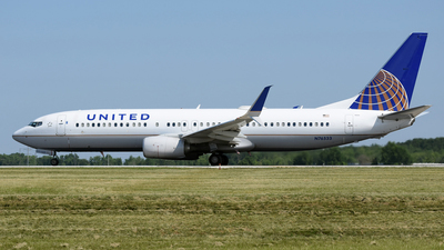 N76533 - Boeing 737-824 - United Airlines