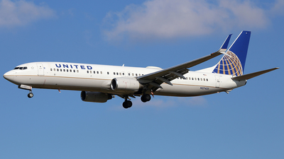 N27421 - Boeing 737-924ER - United Airlines