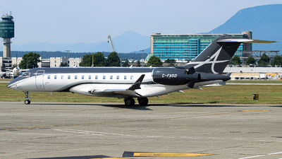 C-FASD - Bombardier BD-700-1A10 Global Express XRS - Private