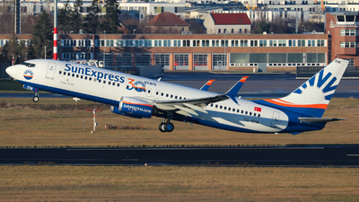 A picture of TCSEM - Boeing 7378HC - SunExpress - © Lars Rohde