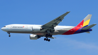 A picture of HL8284 - Boeing 77728E(ER) - Asiana Airlines - © Thanhngoc Tran