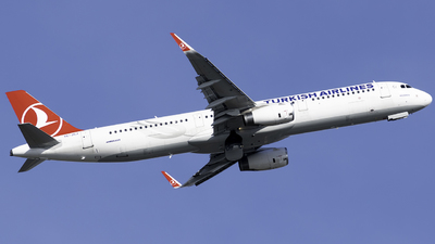 A picture of TCJSJ - Airbus A321231 - Turkish Airlines - © Taha Berat