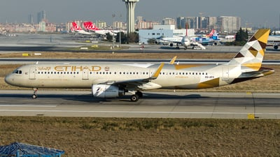 A6-AEG - Airbus A321-231 - Etihad Airways