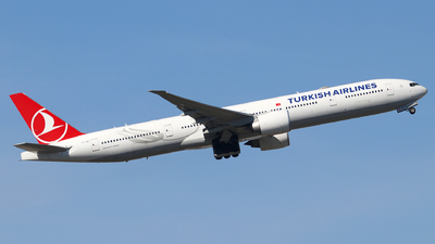 A picture of TCLKC - Boeing 7773U8(ER) - Turkish Airlines - © Dave Potter