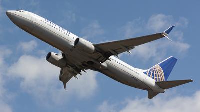N77535 - Boeing 737-824 - United Airlines