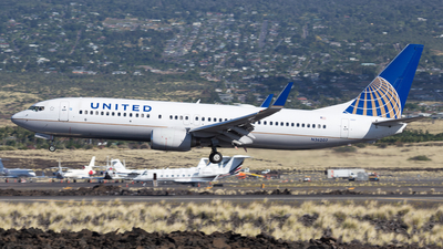 N36207 - Boeing 737-824 - United Airlines