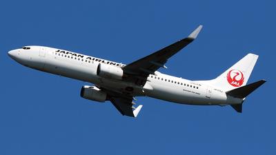JA325J - Boeing 737-846 - Japan Airlines (JAL)