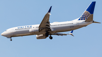 A picture of N77510 - Boeing 737824 - United Airlines - © Martin Pinnau