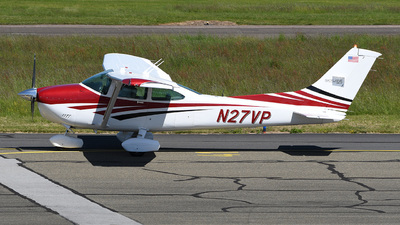 A picture of N27VP - Cessna 182R Skylane - [18264851] - © bruno muthelet
