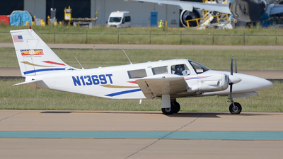N1369T - Piper PA-34-200 Seneca - US Aviation Academy