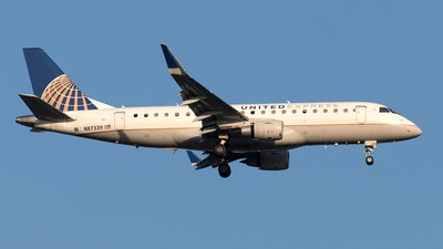 A picture of N87339 - Embraer E175LR - United Airlines - © Yixin Chen