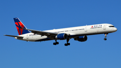 N592NW - Boeing 757-351 - Delta Air Lines