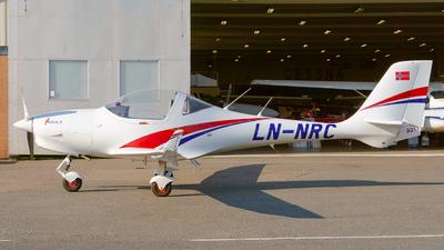 A picture of LNNRC - Aquila A211 - [AT01100A352] - © Laszlo Fekete