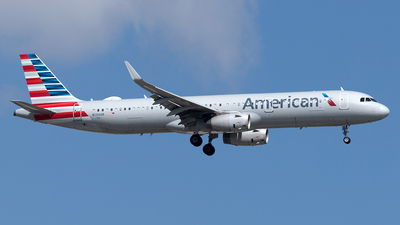 A picture of N134AN - Airbus A321231 - American Airlines - © Yixin Chen