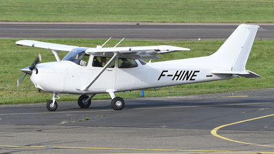 F-HINE - Cessna 172S Skyhawk SP - Private