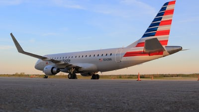 N242NN - Embraer 170-200LR - American Eagle (Envoy Air)