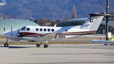 M-EGGA - Beechcraft B200 Super King Air - Private