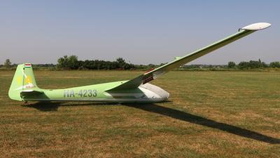 HA-4233 - SZD 22C Mucha Standard - Private